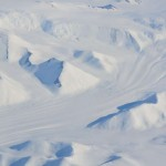 La nieve y el hielo lo cubren todo.