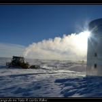 Ayer abrieron una rampa en el talud enfrente de la base. Se han acumulado mas de 3 metros de nieve en el invierno.
