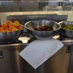 Pero son bienvenidos si llegan con las primeras frutas frescas en muchos meses!