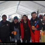 Con los amigos de la expedición de Acciona en el campamento de turistas.