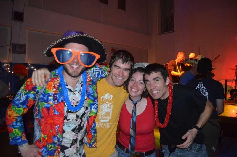 Los 4 que corrimos la maratón del polo sur en la nochevieja de 2011.