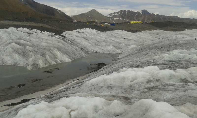 Parte baja del glaciar. Se acabó el peligro!